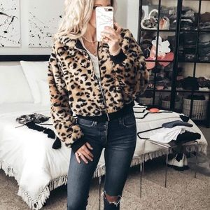 Jackets & Blazers - Women's leopard faux fur jacket